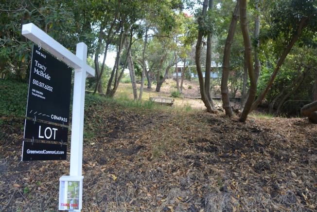 柏克萊山中歷史悠久的上世紀現代住宅集中社區Greenwood Common內,最後一塊未開發的地塊目前正掛牌出售,為周邊社區價格最高。(記者劉先進/攝影)