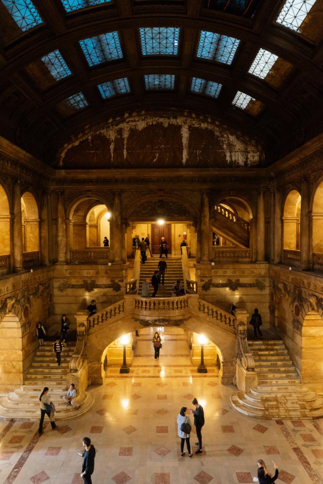 「紐約建築開放周」已成紐約市的年度盛事。圖為地標建築「遺囑檢驗法庭」(Surrogates Courthouse,又稱代理法院)內部大廳。(Nicolas Lemery Nantel攝影)