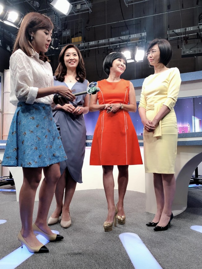 吳淡如(右二)和賴芳玉(右一)、鄧惠文(左二)3個聰明的女人搭檔新節目,各展不同長才。(圖:吳淡如提供)