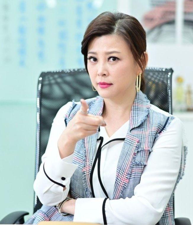 方馨加入「女力報到」劇組,詮釋霸氣總經理。(圖:TVBS提供)