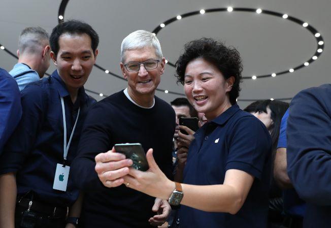 新iPhone降價,但分析師認為,蘋果主要是避免用戶流失。(Getty Images)