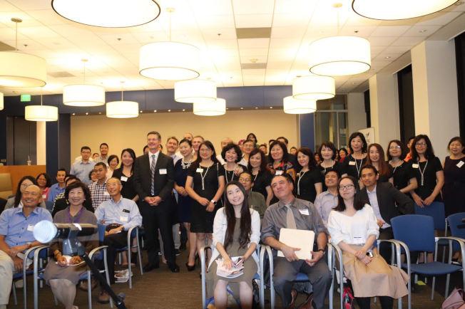 世界華人工商婦女企管協會大洛杉磯分會,日前和美國亞裔專業人士協會(AAPA)舉辦「在瘋狂的世界裡得勝」演講。(圖:主辦方提供)
