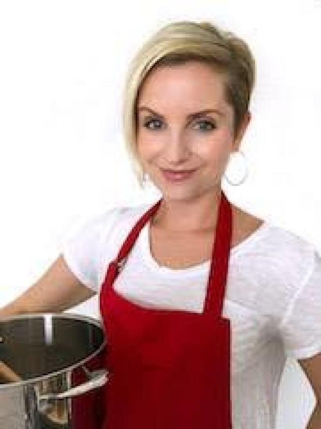 貝絲‧孟賽爾雖然收入有限,卻在全食超市工作期間摸索出省錢做菜的方法,並獲得網友廣大迴響。(取自臉書)