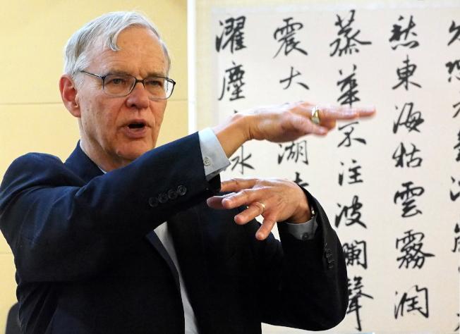 美國在台協會( AIT)前理事主席卜睿哲表示,若香港示威者在10月1日期間暫停活動,會是明智之舉。(歐新社)