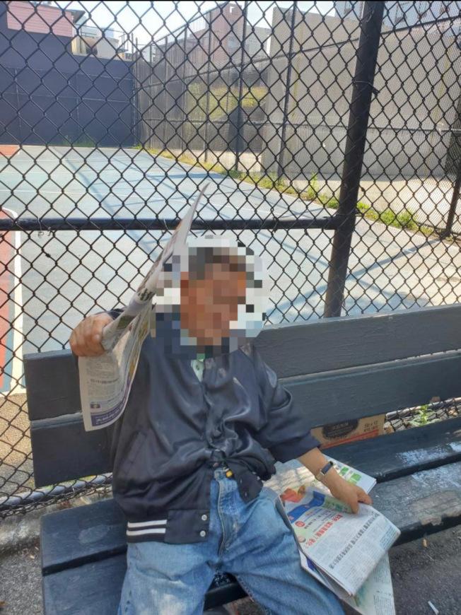 該名華裔耆老日前在公園內當眾脫褲小便,讓眾人傻眼。(張小姐提供)