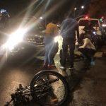 非裔駕駛闖黃燈 布碌崙華裔外賣郎遭撞飛重傷