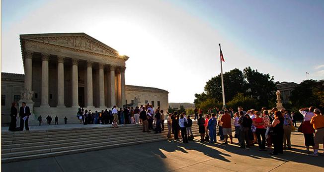 民眾等候參觀最高法院。(圖:取自最高法院網網站)