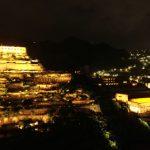 十三層遺址點亮了 上萬民眾驚呼:有希臘神殿的fu