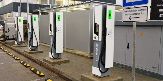 賭城地區為電動車廣設充電站。(網路照片)