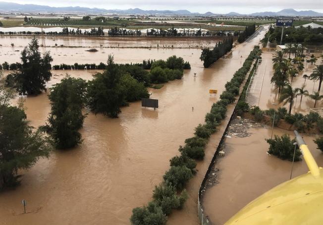 西班牙東南部洪災。(歐新社)