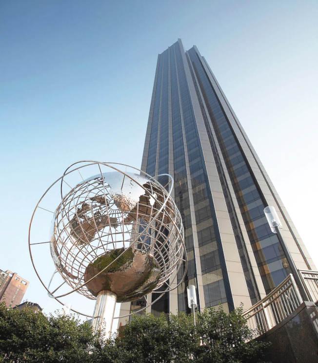曼哈頓中央公園旁的川普國際酒店,名列全球最佳旅館名單。(川普國際旅館)