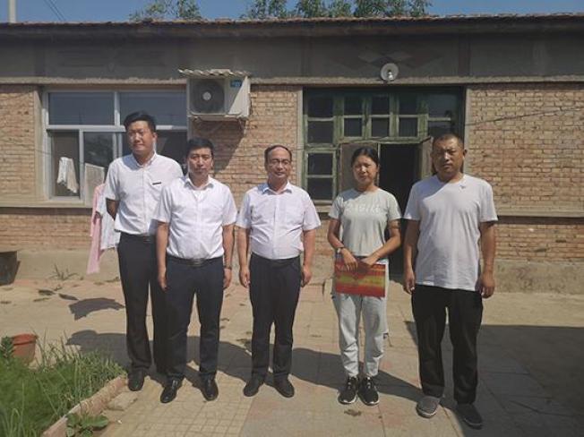 河北捐髓救母棄考女孩被特招至渤海理工職業學院成教會計專業。(取材自澎湃新聞)
