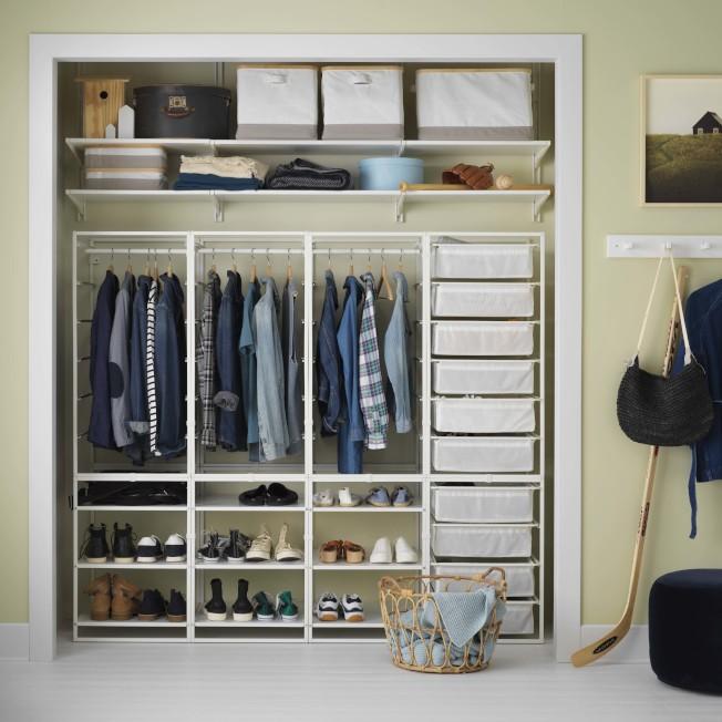 IKEA JONAXEL系統儲物組合包含網籃、層架、掛衣桿等各式配件,將牆面變成儲物的最佳位置。圖/IKEA提供