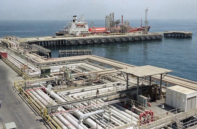 沙烏地阿拉伯國營石油公司屬下的一處專用油港。(美聯社)