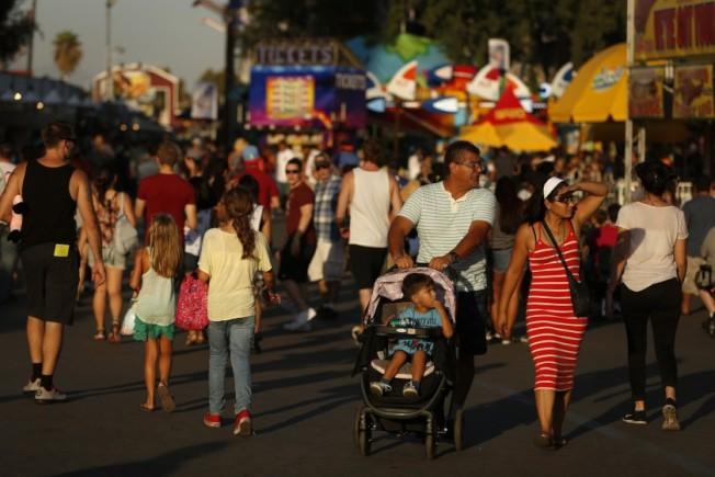 波莫那警方13日逮捕一名22歲,來自雪爾瑪(Sylmar)男子Erik Villasenor,因惡作劇宣稱要在洛縣博覽會(Los Angeles County Fair)上展開大規模槍擊案。(洛杉磯時報)