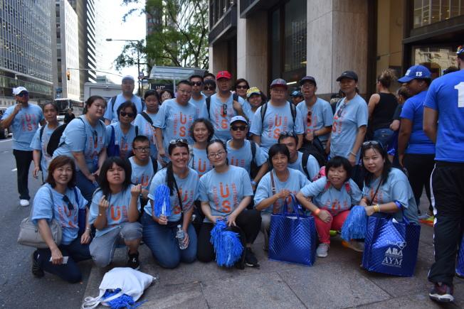 大學睦鄰之家此次帶40多人參加活動,其中大部分為華裔。(記者顏嘉瑩/攝影)