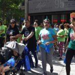 為自閉症發聲健走 逾百華人首度參加 呼籲社會體諒包容
