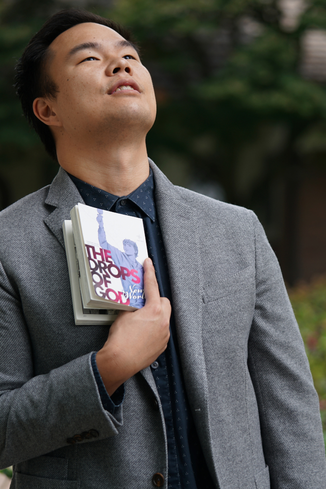 姜理得(見圖)和漫畫「神之雫」原創者亞樹直姊弟合作,推出品酒沙龍。(姜理得提供)