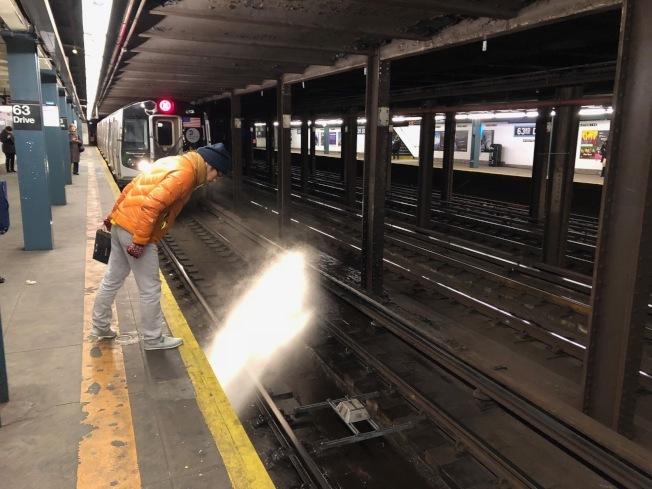 大都會運輸署公布未來五年資本計畫,計畫大部份資金用於改善紐約市地鐵。(本報檔案照)