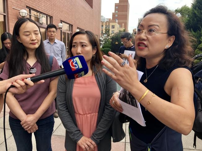 華人業者分析Total Wine & More酒莊進駐大學點後,對小酒莊業者和社區的負面影響。(記者朱蕾/攝影)