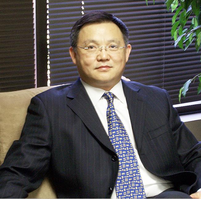 Michael Chen將向聽眾闡釋申請助學金方法。(Michael Chen提供)