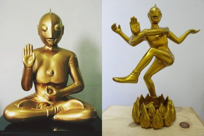 圖為印尼藝術家Budi Nugroho的著名作品,將超人力霸王直接改為佛像造型。《超人力霸王》最初在設計造型的時候,其設計者成田亨確實曾經參考了佛像。在成田亨的造型論裡就數度提及,超人的面部表情是來自於日本廣隆寺的彌勒菩薩像。 (取材自Budi Nugroho)