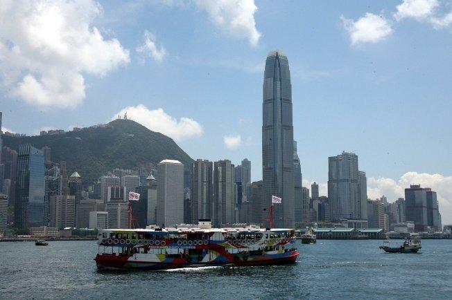 香港「反送中」運動對香港經濟帶來影響,外界憂可能影響金融中心地位。(中通社)