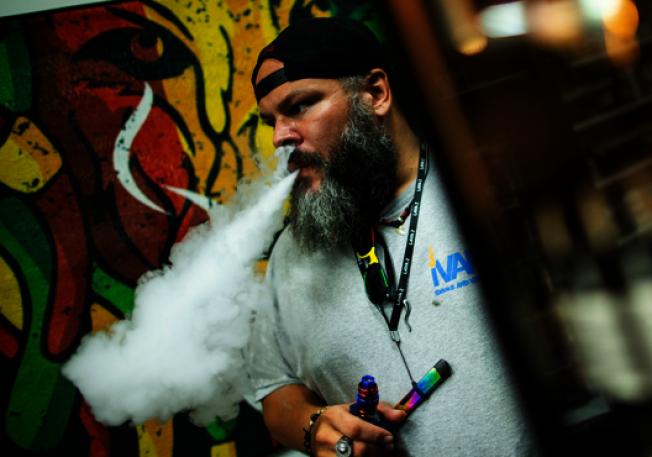 全美36州有380個疑似電子菸引起的肺病病例,麻州有38個相關病例。(路透)