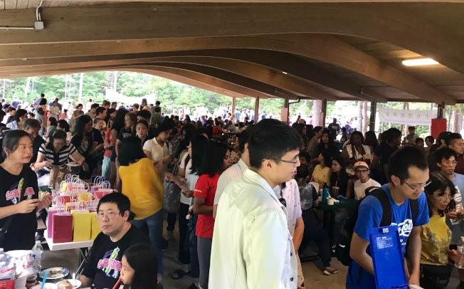 台灣夜市吸引比預期多數倍的人潮。(記者王明心/攝影)