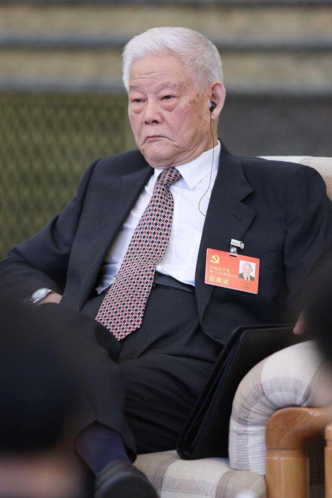 葉選平17日病逝,享壽95歲。(中新社資料照片)