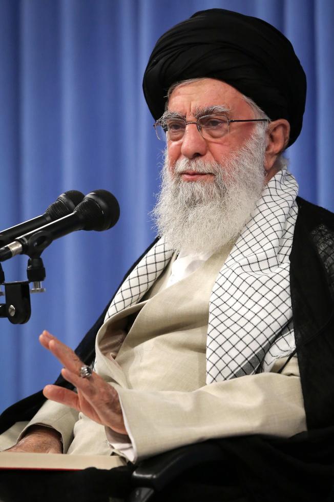 伊朗最高領導人哈米尼拒絕與美國談判。(Getty Images)