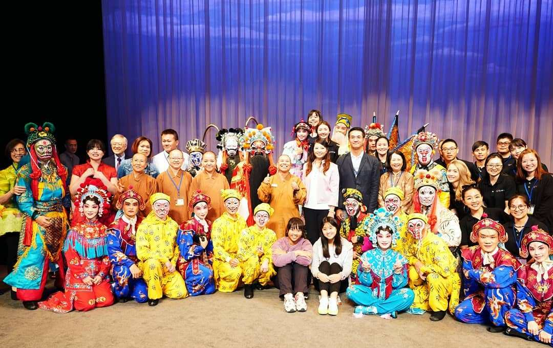 台北新劇團全體及中美文化講壇及嘉賓等合影。(台北新劇團提供)