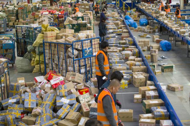 中國已成長為世界上發展最快、最具活力的新興寄遞市場,包裹快遞量超過美、日、歐等發達經濟體總和。(中新社資料照片)