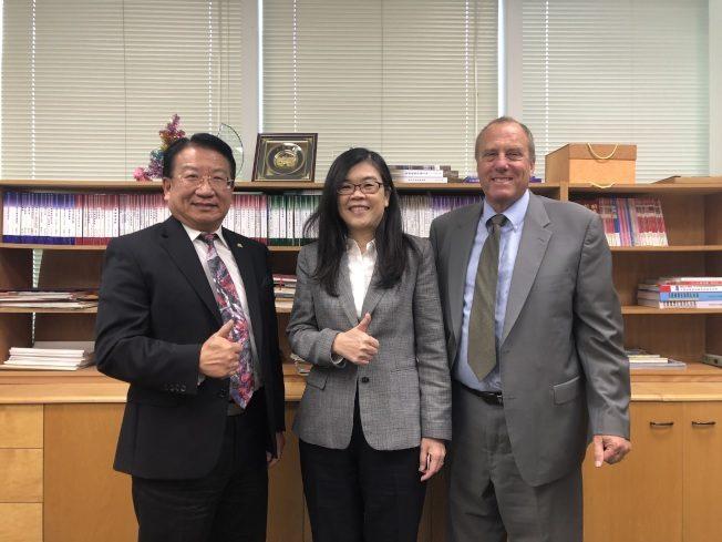 西柯汶納副市長吳桐淮(Tony Wu)訪世界日報