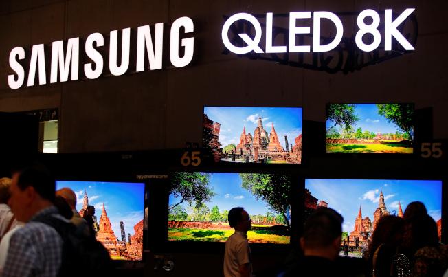三星在德國柏林消費者科技展推出新型電視。(路透)