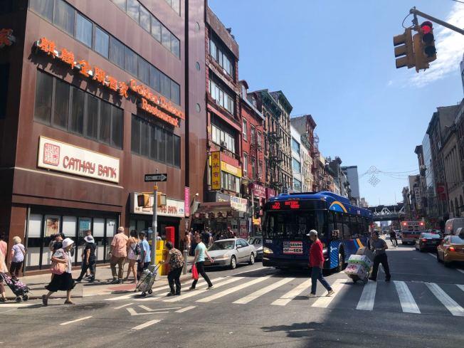 紐約市政府18日宣布擴大租金穩定公寓住戶的優惠政策。(記者和釗宇/攝影)