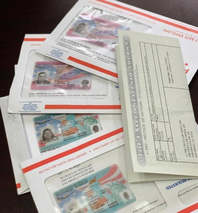 聯邦新財政年度伊始,中國大陸出生EB-2排期出現大倒退,令申請人傻眼。(取自移民局臉書)