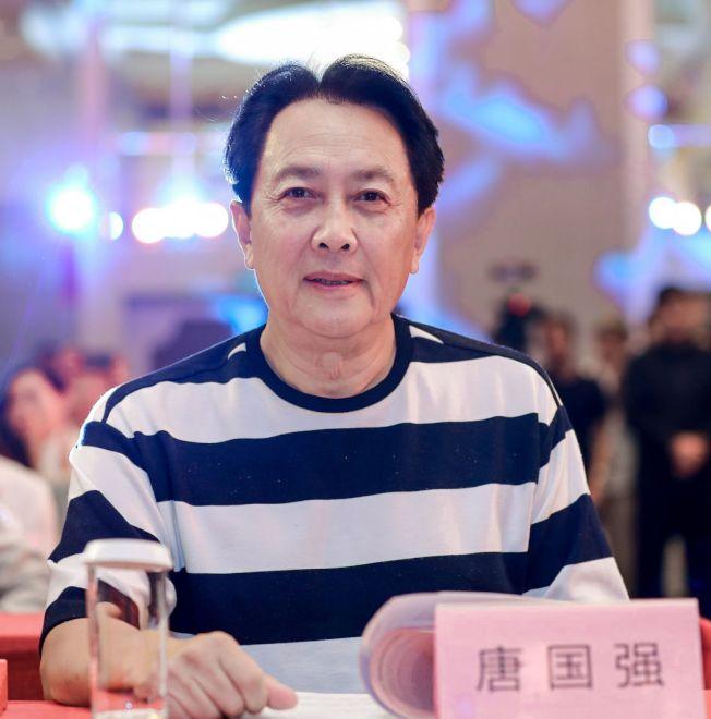 許久未露面的唐國強現身新劇發布會。(取材自微博)