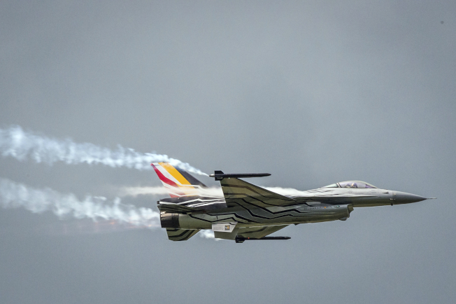 比利時一架F-16戰機19日在法國西北部墜毀。圖為同型機。(美聯社)