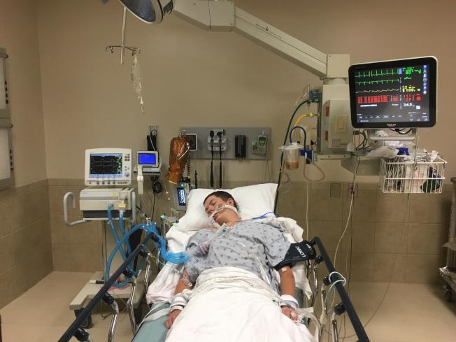 聯邦疾病防治中心最新資料顯示,與電子菸有關的肺病患者已增至530人。圖為南卡州男子建京斯吸了含有大麻合成物的電子菸後,呼吸衰竭陷入昏迷,所幸後來康復。(美聯社)