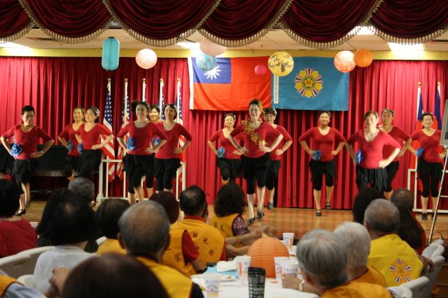 萊玲馬舞蹈工作室帶來精彩表演。(記者林昱瑄/攝影)