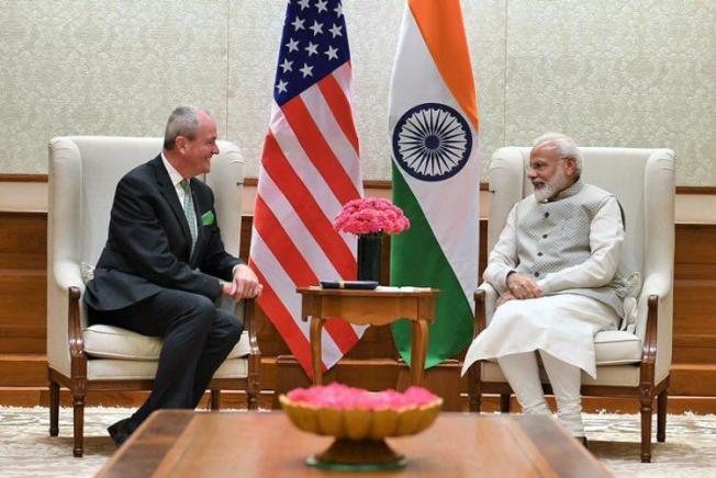 印度總理莫迪(右)會見新州州長墨菲(左)。(取自州長推特)
