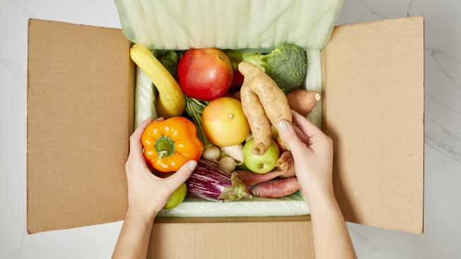 環保人士要求大家多吃素食,減少動物肉類消耗。(美聯社)