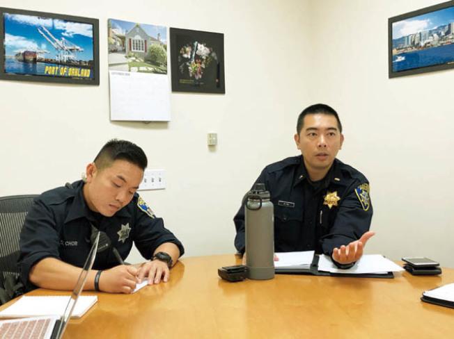屋崙警局警督余劍倫(Alan Yu,右)說,發生在Victoria身上的兩起暴力事件極為少見。(記者劉先進/攝影)