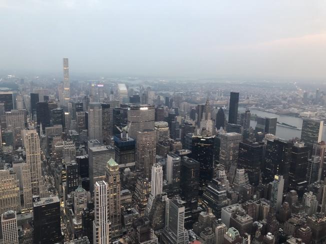 房產報告顯示,紐約市儘管租房市場持續火熱,但房產售價卻不斷下跌。(記者洪群超/攝影)