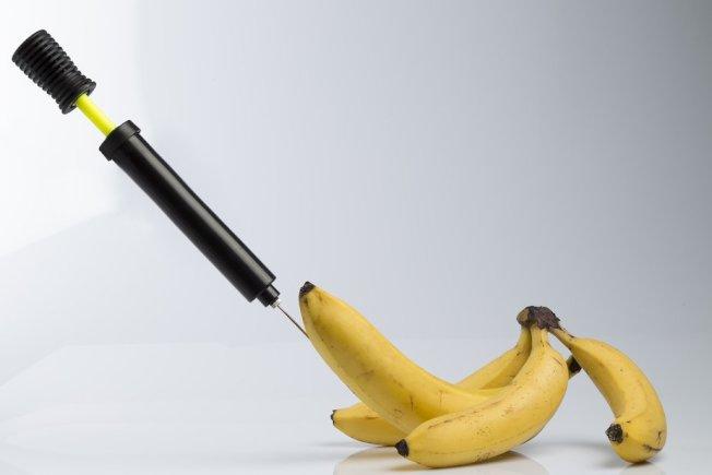 一位南太平洋島嶼的男子因想要陰莖尺寸變大,而注射凡士林,導致下體感染、皮膚爛光。圖片來源/ingimage