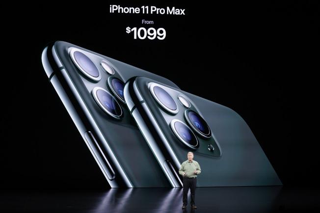 蘋果在發表會上介紹iPhone 11 Pro新機。美聯社