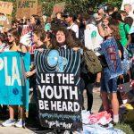 學生罷課挺環保 「若無未來何需上課」