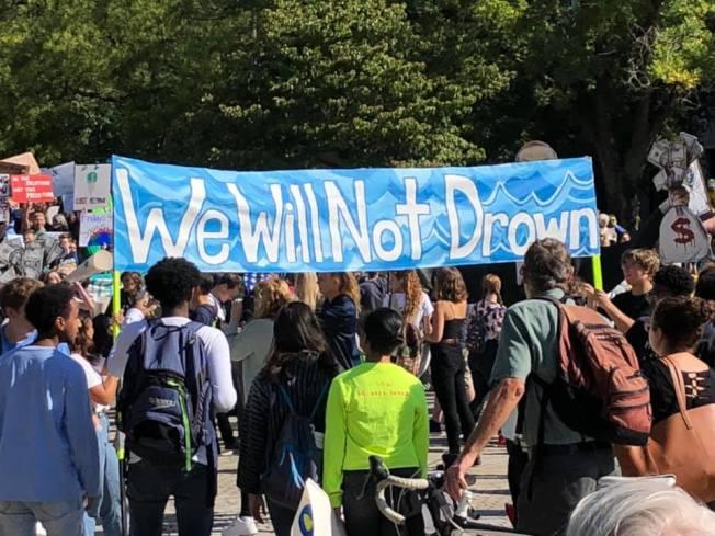 華盛頓特區、紐約、波士頓等美國各大城市20日紛紛出現氣候變遷抗議運動。(取自臉書)