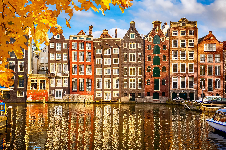 阿姆斯特丹運河兩岸的房屋非常有特色。